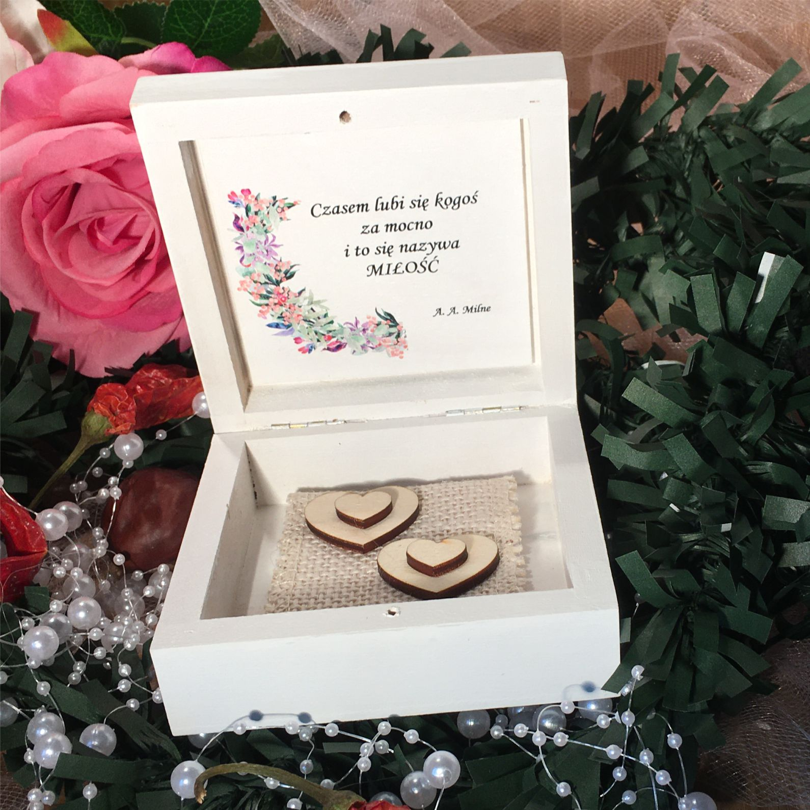 Środek pudełka kwiaty pastelowe