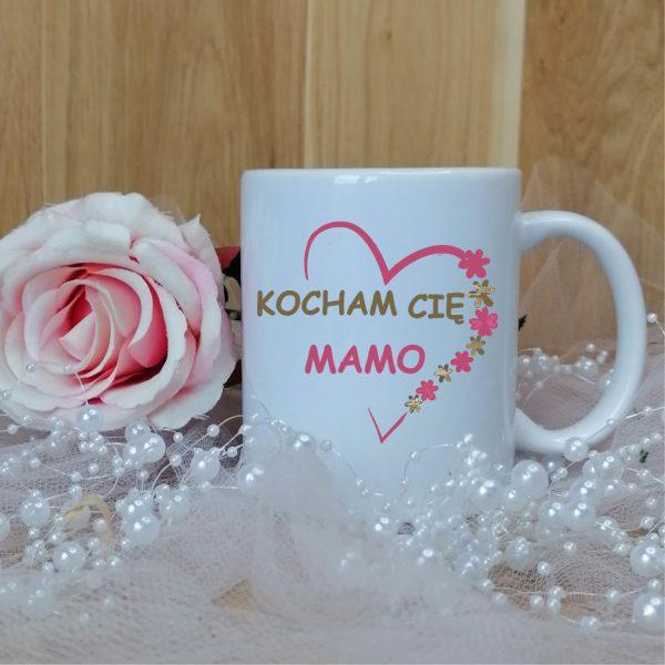 Kubek z motywem różowym